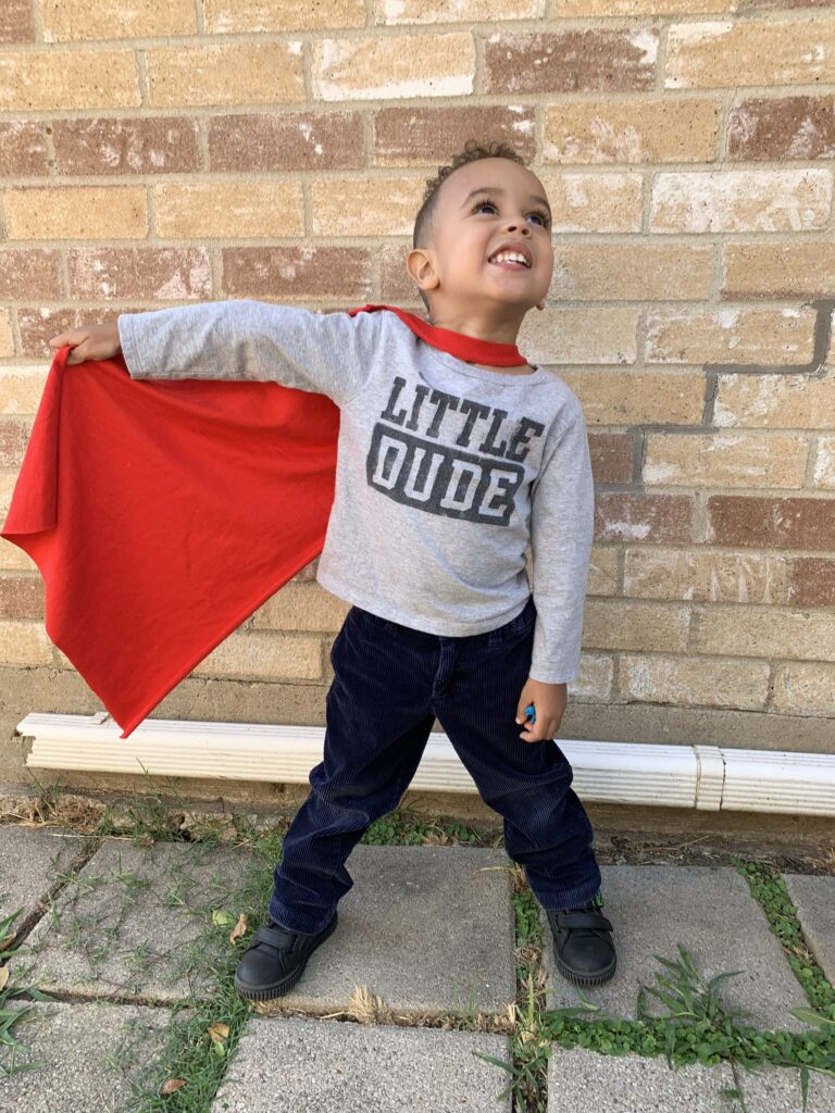 diy cape from t-shirt halloween costume - tiny green earthling