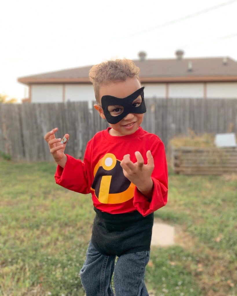 diy incredibles halloween costume and thrifted shirt - tiny green earthling
